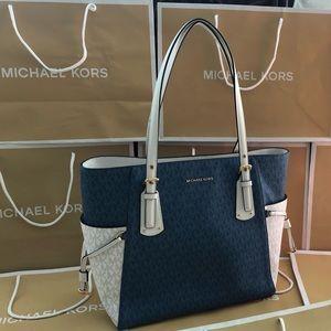 $228 Michael Kors Voyager Handbag Purse MK Bag